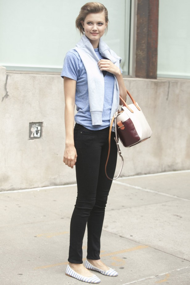 Lindsey-Wixson-looked-perfectly-preppy-jeans-flats