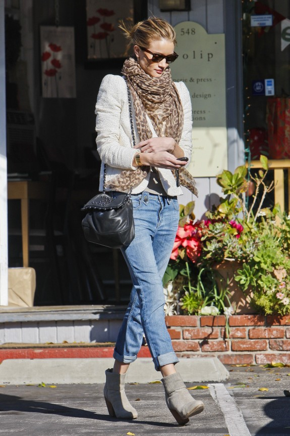 Rosie-Huntington-Whiteley_newbury_boots_celeb_streetstyle