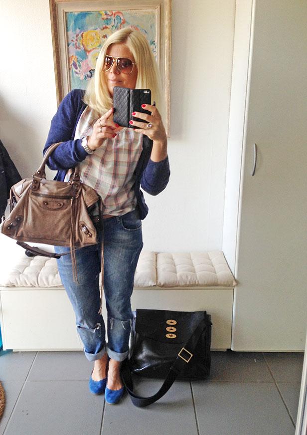 balenciaga_classic_city_boyfriend_jeans_chloe_ballerinas_mulberry_computer_bag