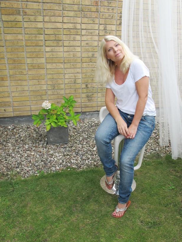 denim_hunter_baggy_jeans_mystique_sandals