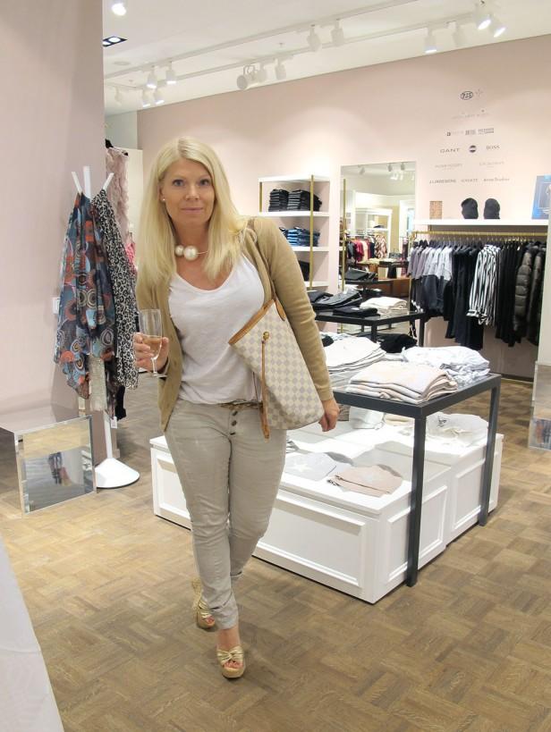 New store for X change malmo mobilia