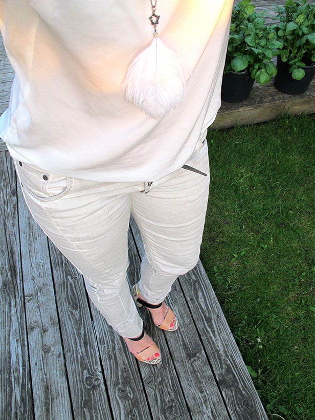 moxy_copenhagen_adele_pants_jasmeen_silk_top_zara_shoes