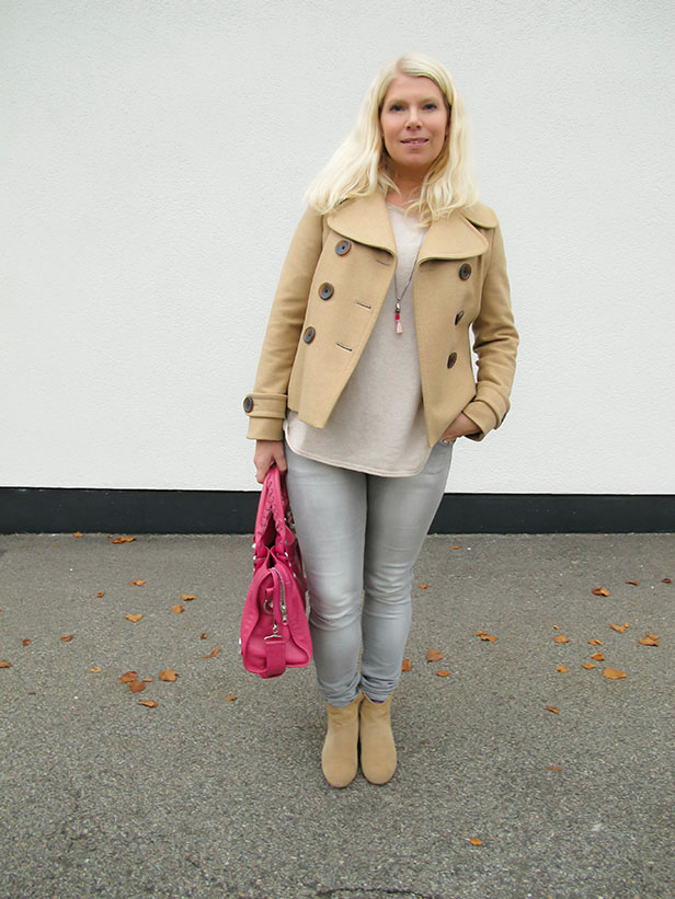 outfit_peacoat_beige