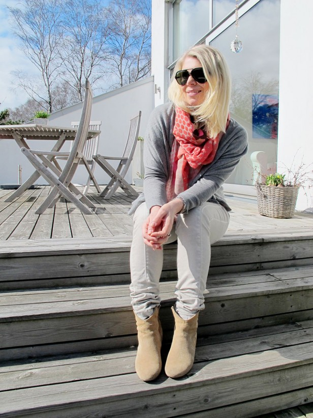 pants_moxy_copenhagen_scarf_dhipt_cashmere_cardigan_vince_sunglasses_ray_ban