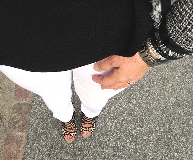 peplum_top_white_jeans_leopard_heels