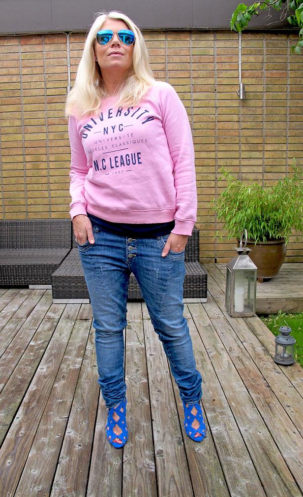 pink_sweatshirt_denim_hunter_jeans