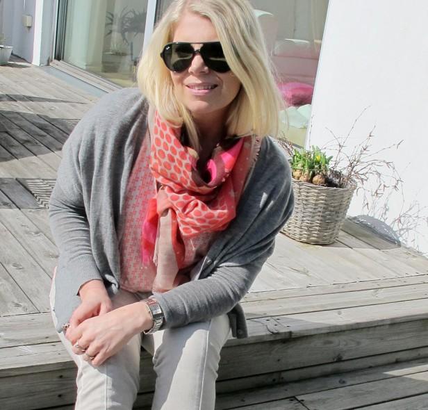 scarf_dhipt_top_pants_moxy_copenhagen