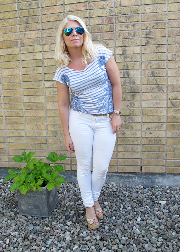 white_jeans_striped_top_mccartney_lookalike-2