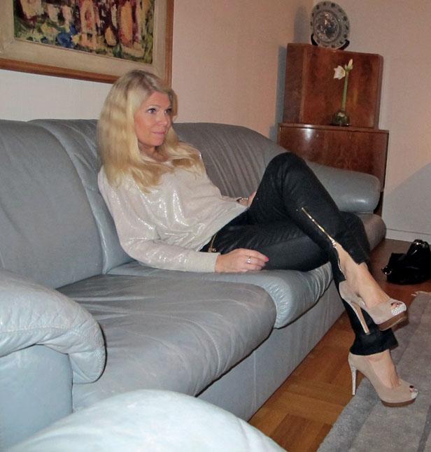 silver-troja-vaxade-jeans-peeptoe-pumps