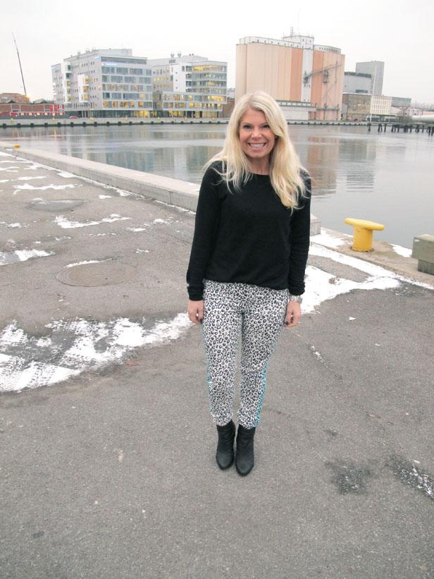 leopard_jeans_black_knit