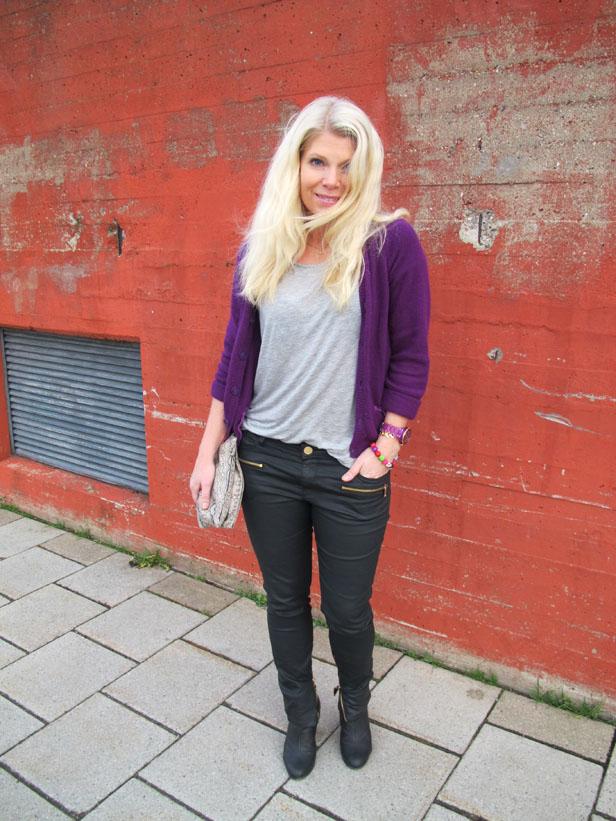 lila_cashmerekofta_vaxade_jeans_gra_tshirt