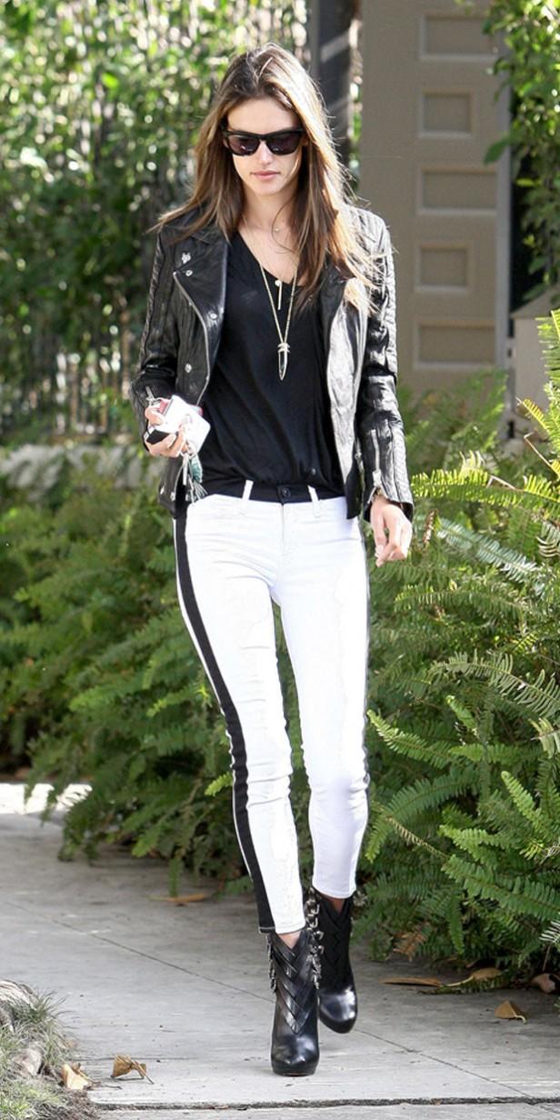 alessandra_ambrosio-white-hudson_jeans
