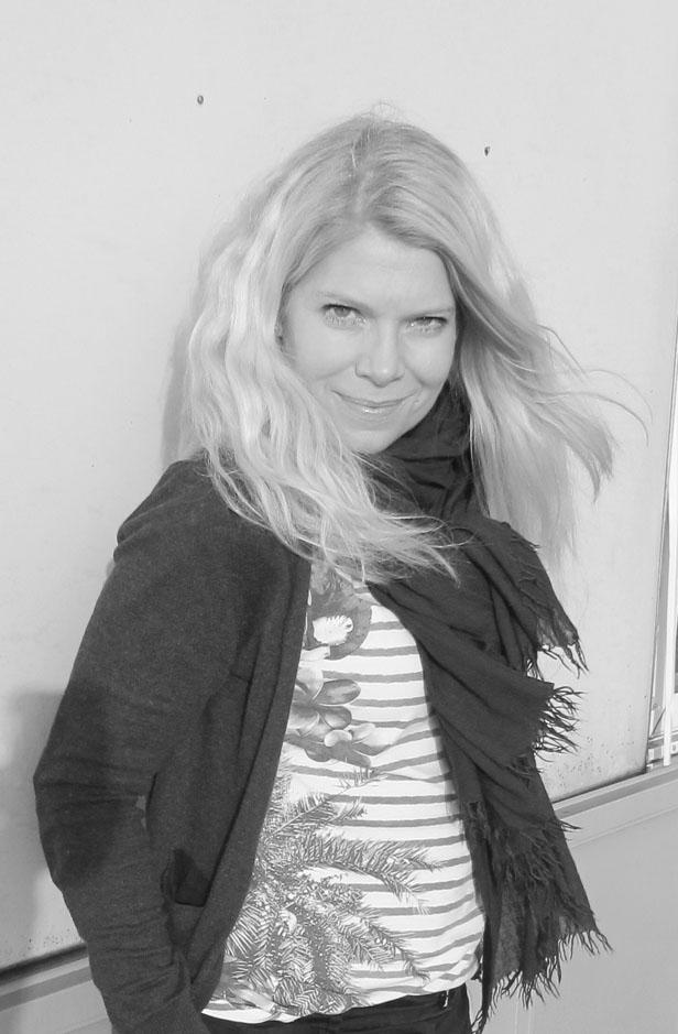 sv-vit_randigt_isabel_marant_etoile_scarf