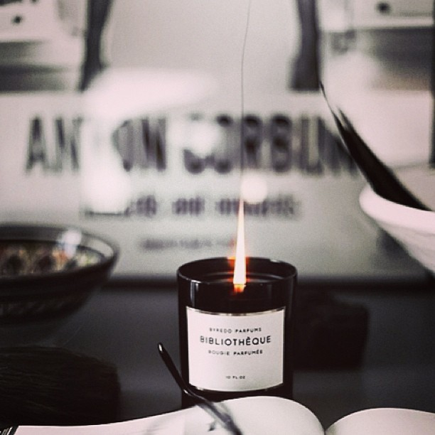 fr-voguettes-byredo-bibliotheque-candle