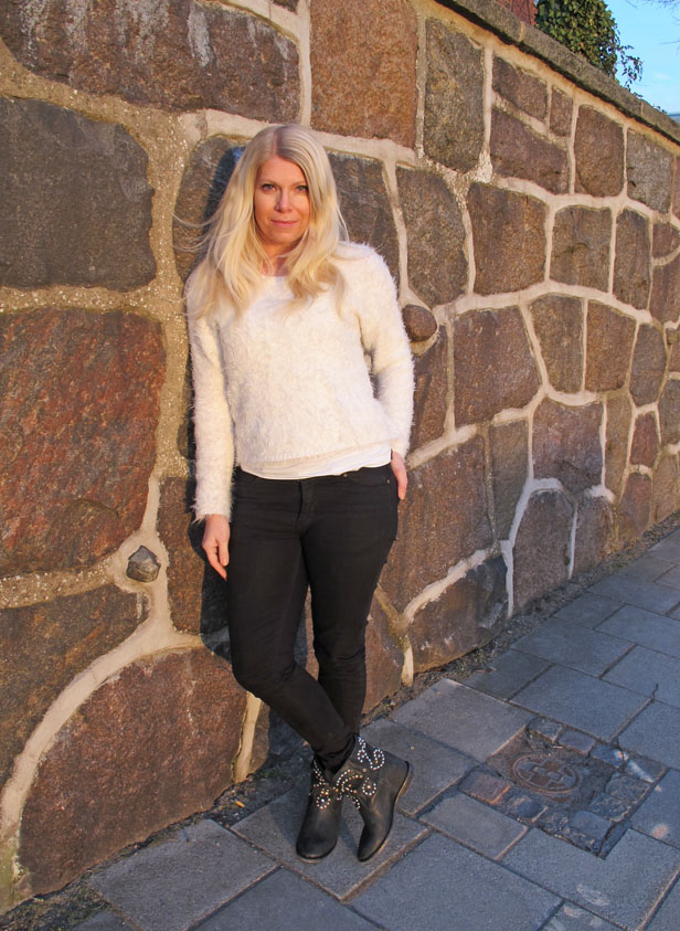 fuzzy_sweater_isabel_marant_boots