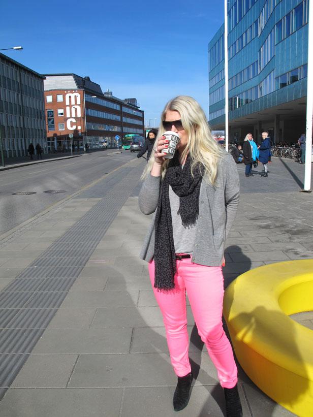 neon_rosa_jeans_hollister_prada-solglasogon