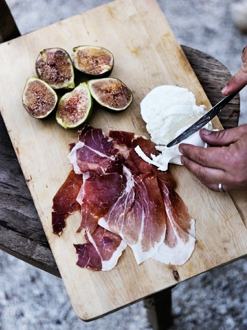 figs-mozzarella-serrano