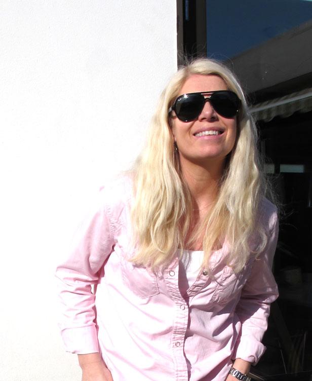 sunglasses_rayban_pink_shirt_gina_tricot