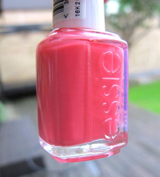 essie_cute_as_a_button