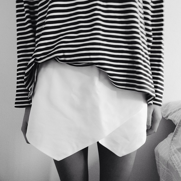 white-skirt-voguettes
