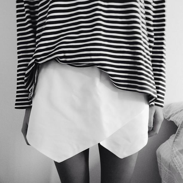 white-skirt-voguettes