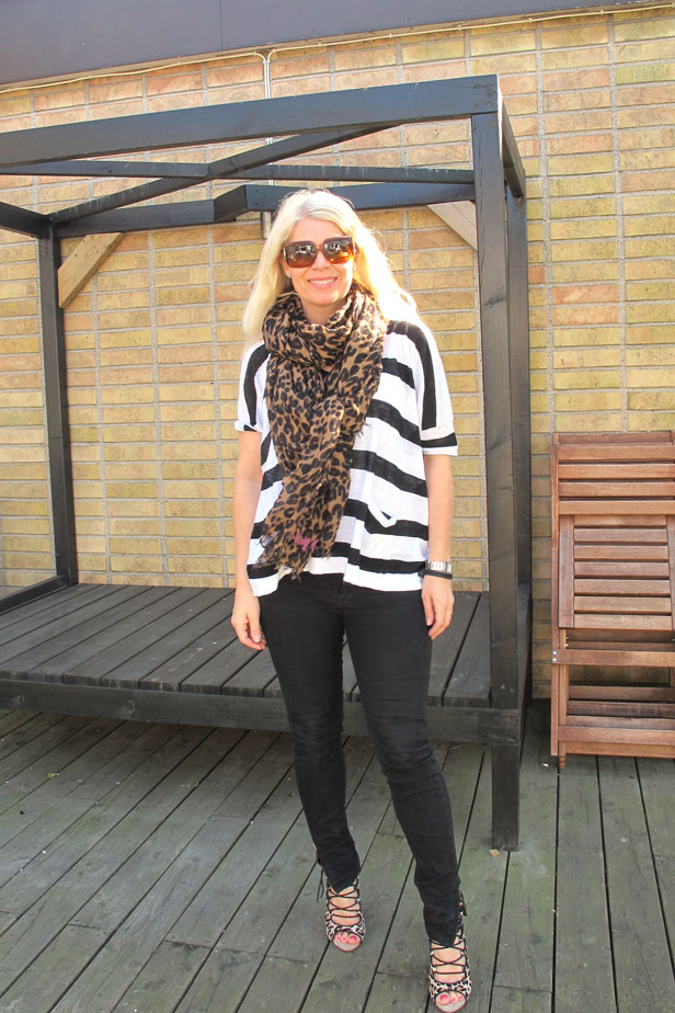 zara_jeans_louis_vuitton_scarf