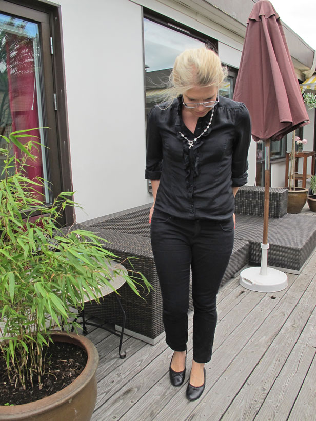 sidenskjorta_lindex_jeans_zara_ballerinas_angela_c