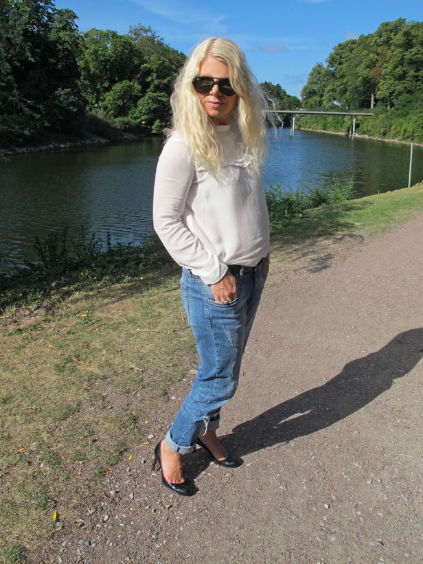 pumps_louboutin_boyfriend_jeans_georgette_blouse_rayban