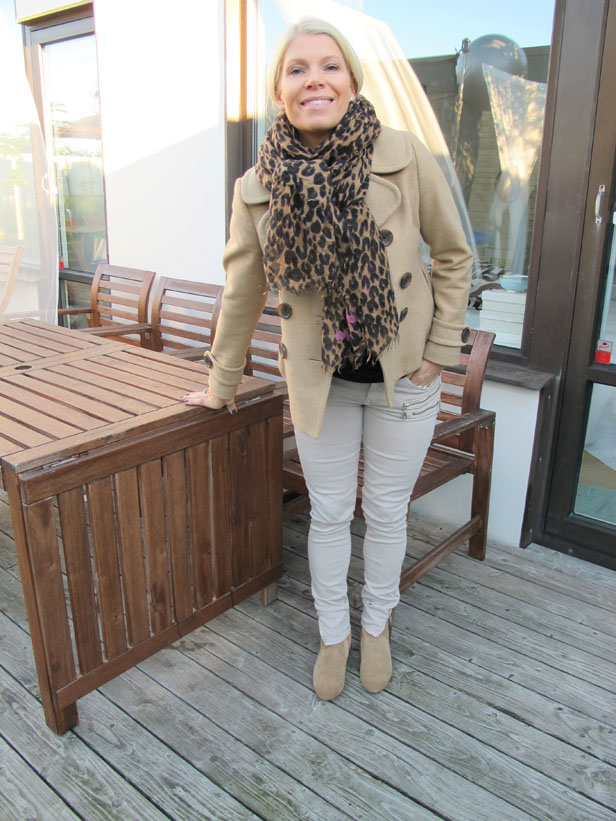 beige_jeans_zipped_pockets_gina_tricot_peacot_banana_republic