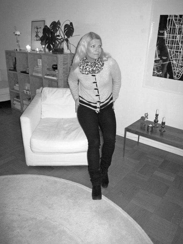 moxy_copenhagen_cardigan_leopard_scarf