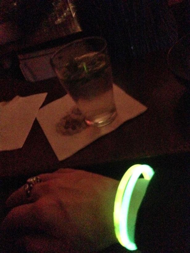 neon_bracelets_bar_ohlsson