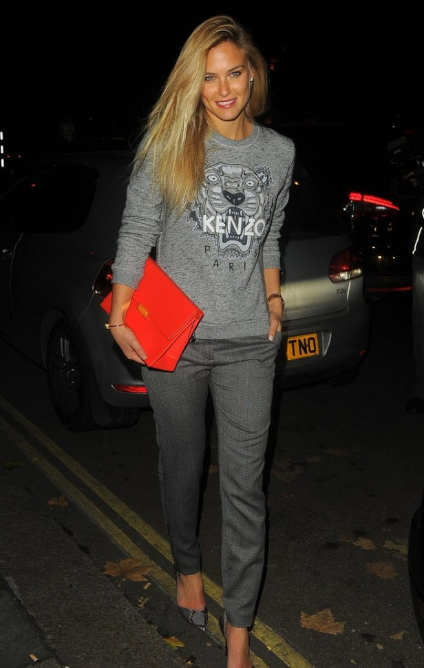bar-refaeli-london-lady-gaga-concert-kenzo-grey-marl-tiger-sweater