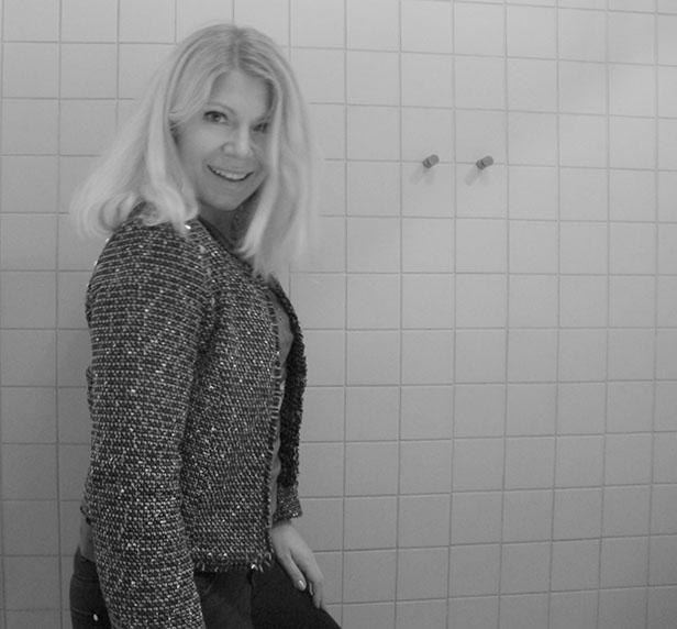 black_white_picture_tweed_jacket