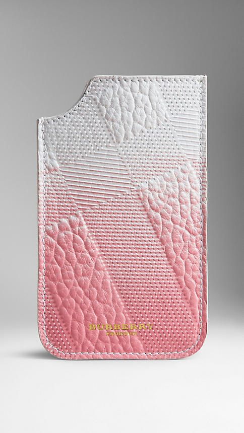 burberry_iphone_case_pink