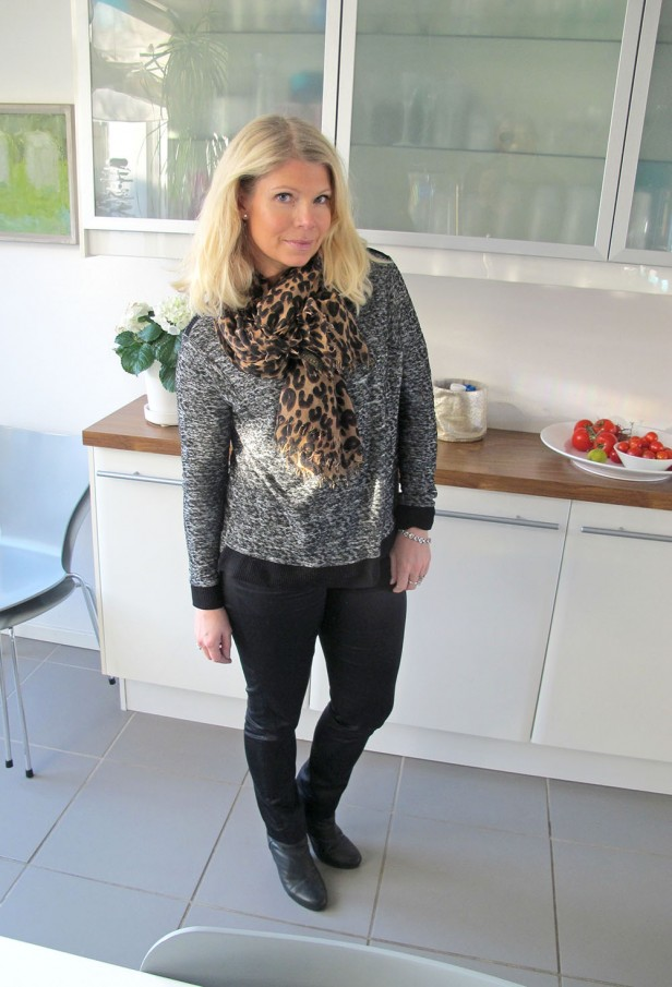 grey_melange_sweater_zara_louis_vuitton_cashmere_leopard_scarf