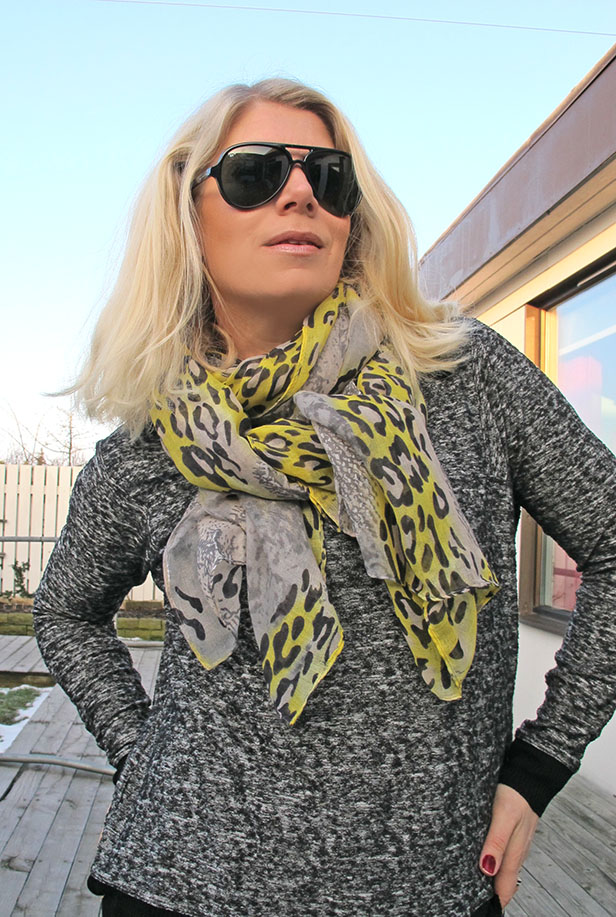 yellow_grey_leopard_snake_scarf_lindex_sunglasses_ray-ban