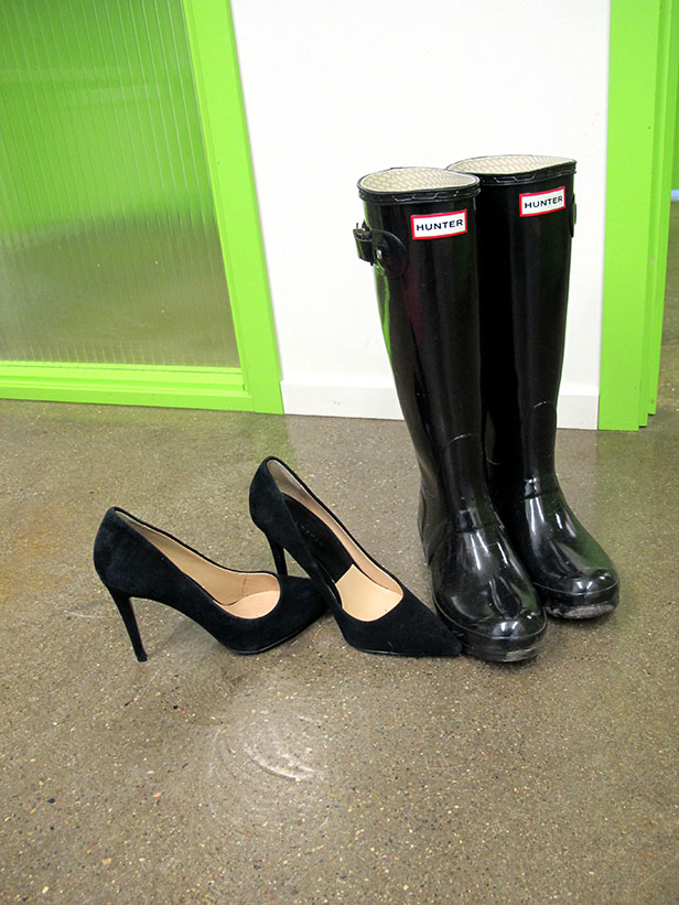 zara_pumps_hunter_shiny_rainboots