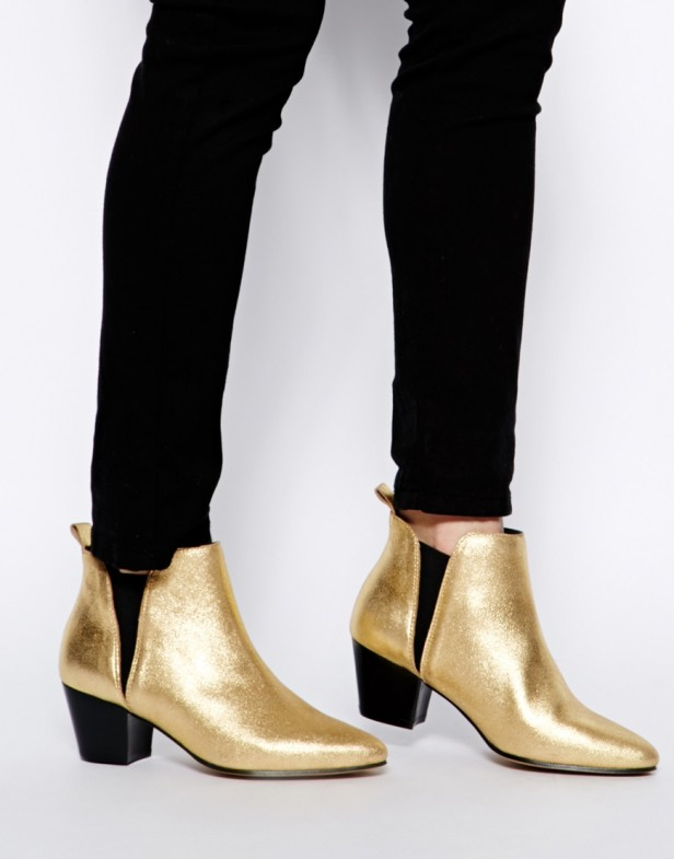 gold_boots