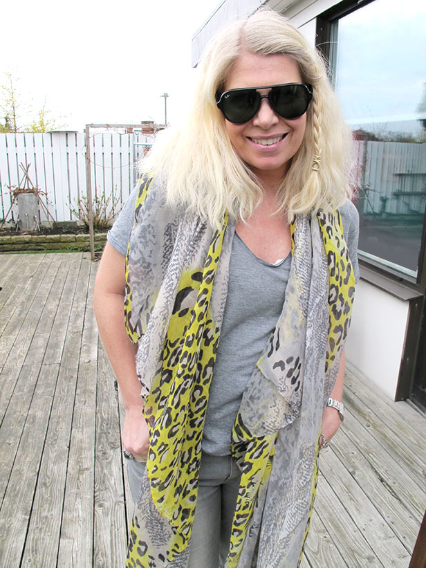 leopard-snake-print-scarf_grey_yellow-rayban-cats-5000-sunglasses