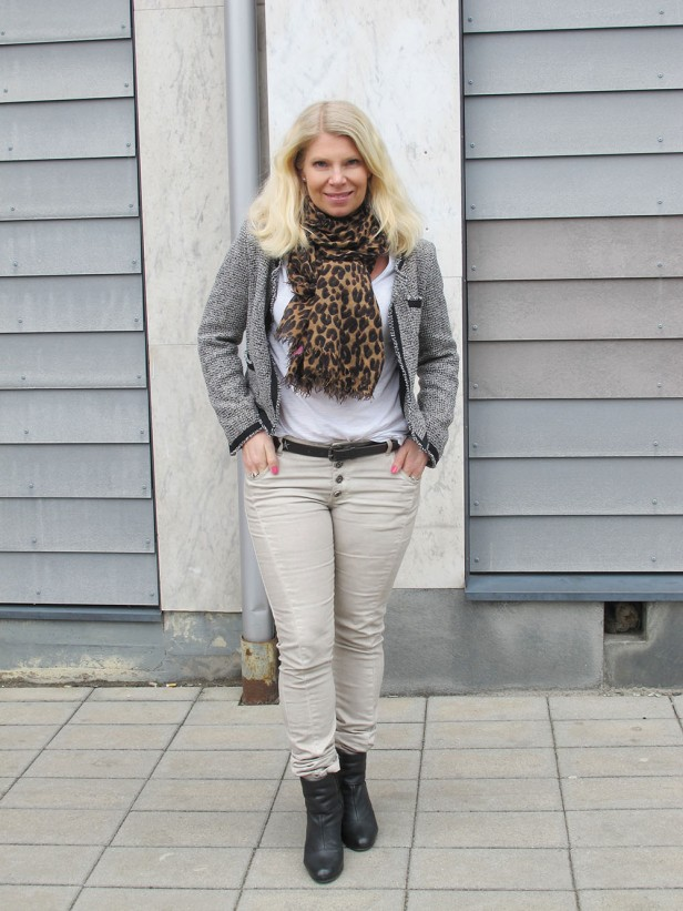 moxy_copenhagen_pants_black-white_tweed_rag_and_bone_newbury_boots_louis_vuitton_leopard_scarf