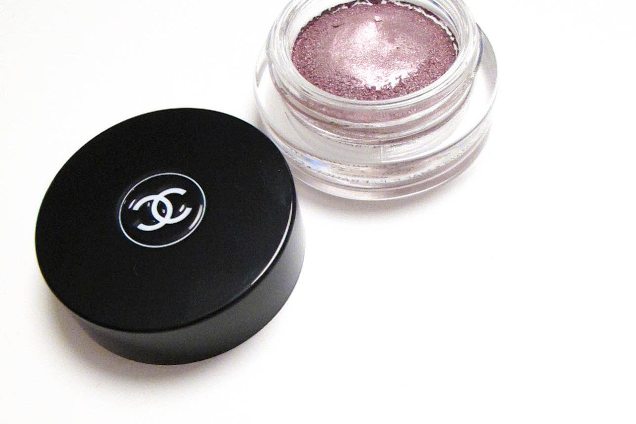chanel-illusion-dombre-long-wear-luminous-eye-shadow