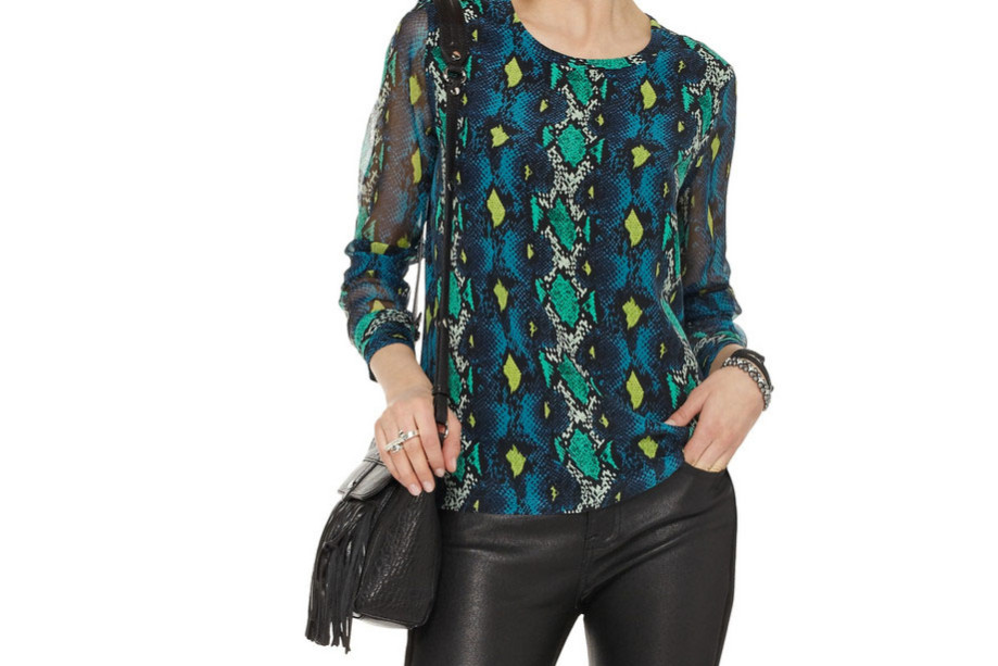 equipment_silk_blouse_snake_print