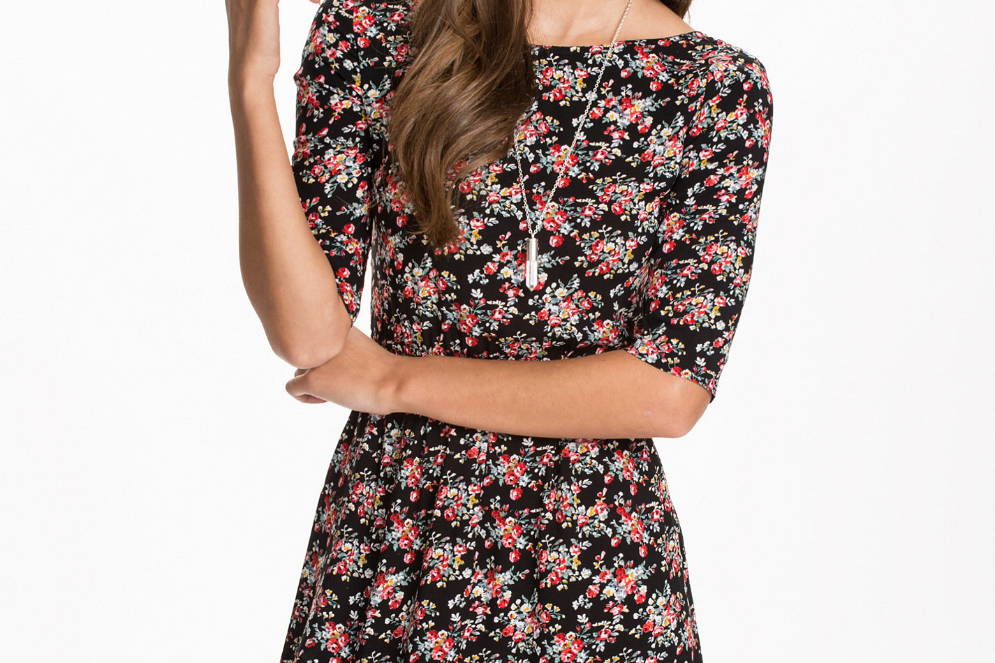 nelly flower dress 100kr