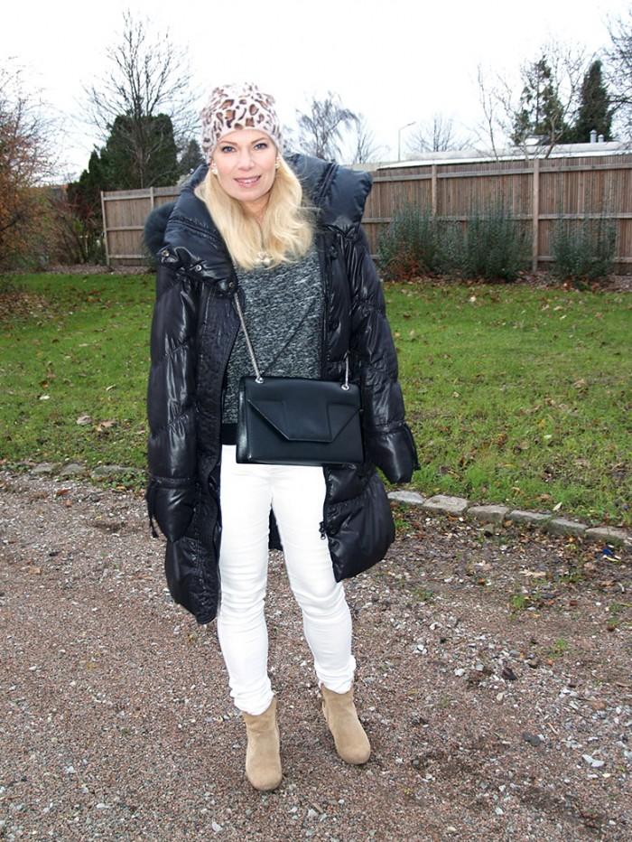 saint laurent black betty medium bag, beige boots isabel marant lookalikes