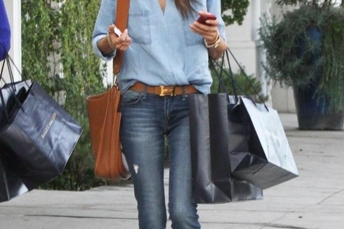 Alessandra Amrosio in rag & bone harrow boots brown