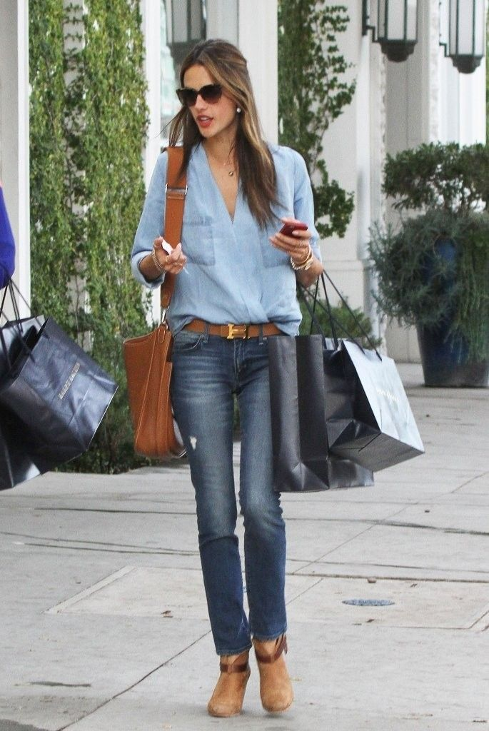 Alessandra Amrosio in rag & bone harrow boots brown