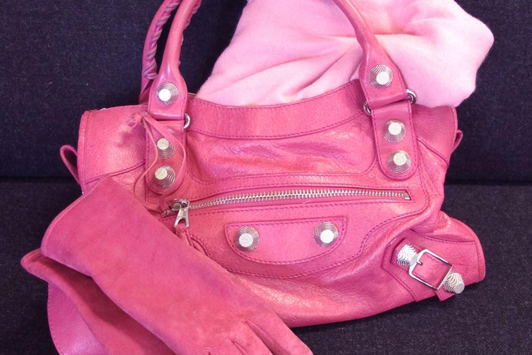 Pink Balenciaga bag, pink suede gloves, pink pashmina
