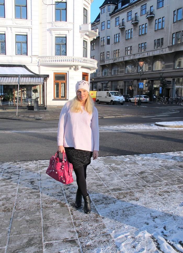 embellished_beanie_pink_sweater_rag_bone_boots