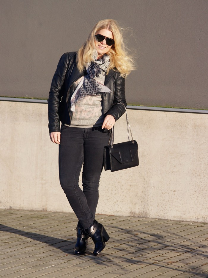 Black jeans top from Denim Hunter and bag from Saint Laurent