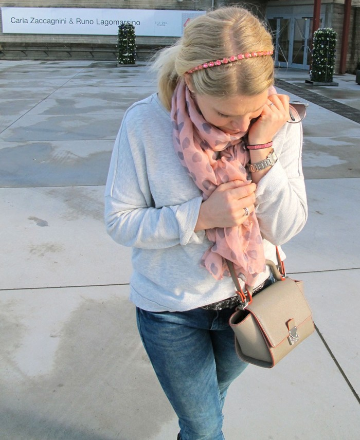 Zara bag and dhipt scarf